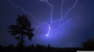 flash of lightning 1