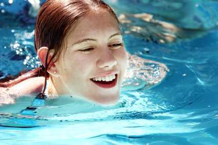 happy-girl-swimming